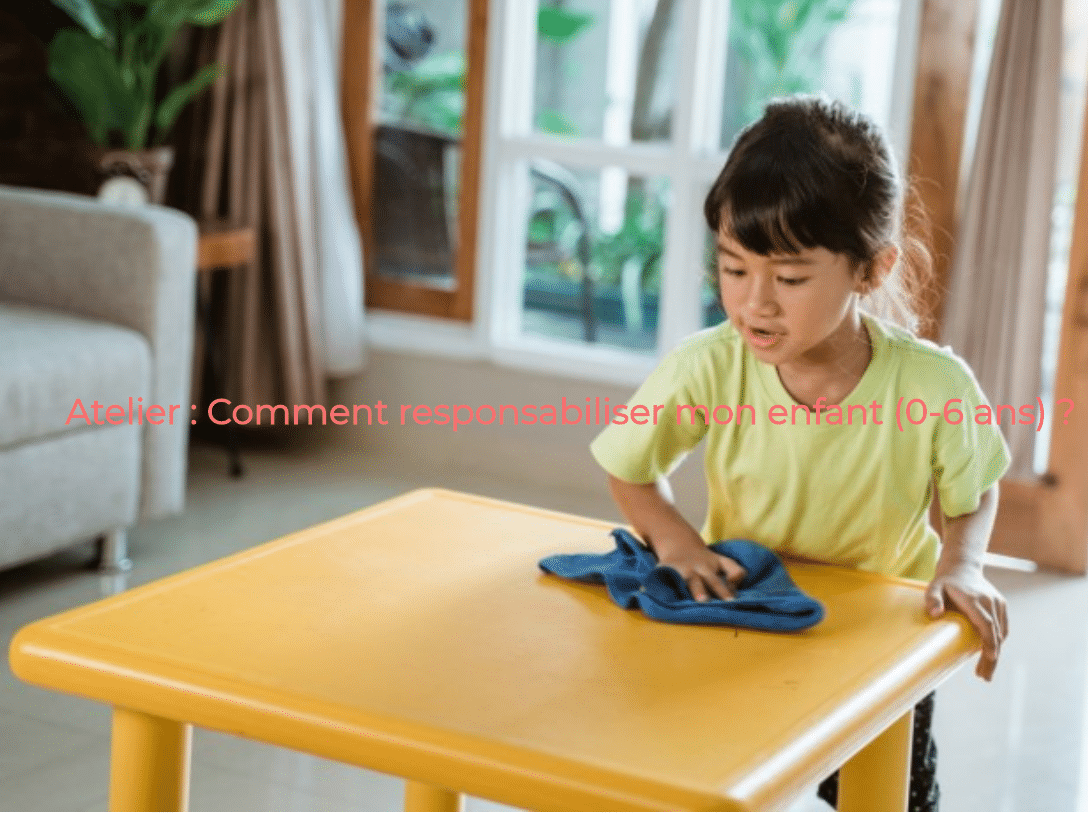 enfant nettoyant une table, montessori